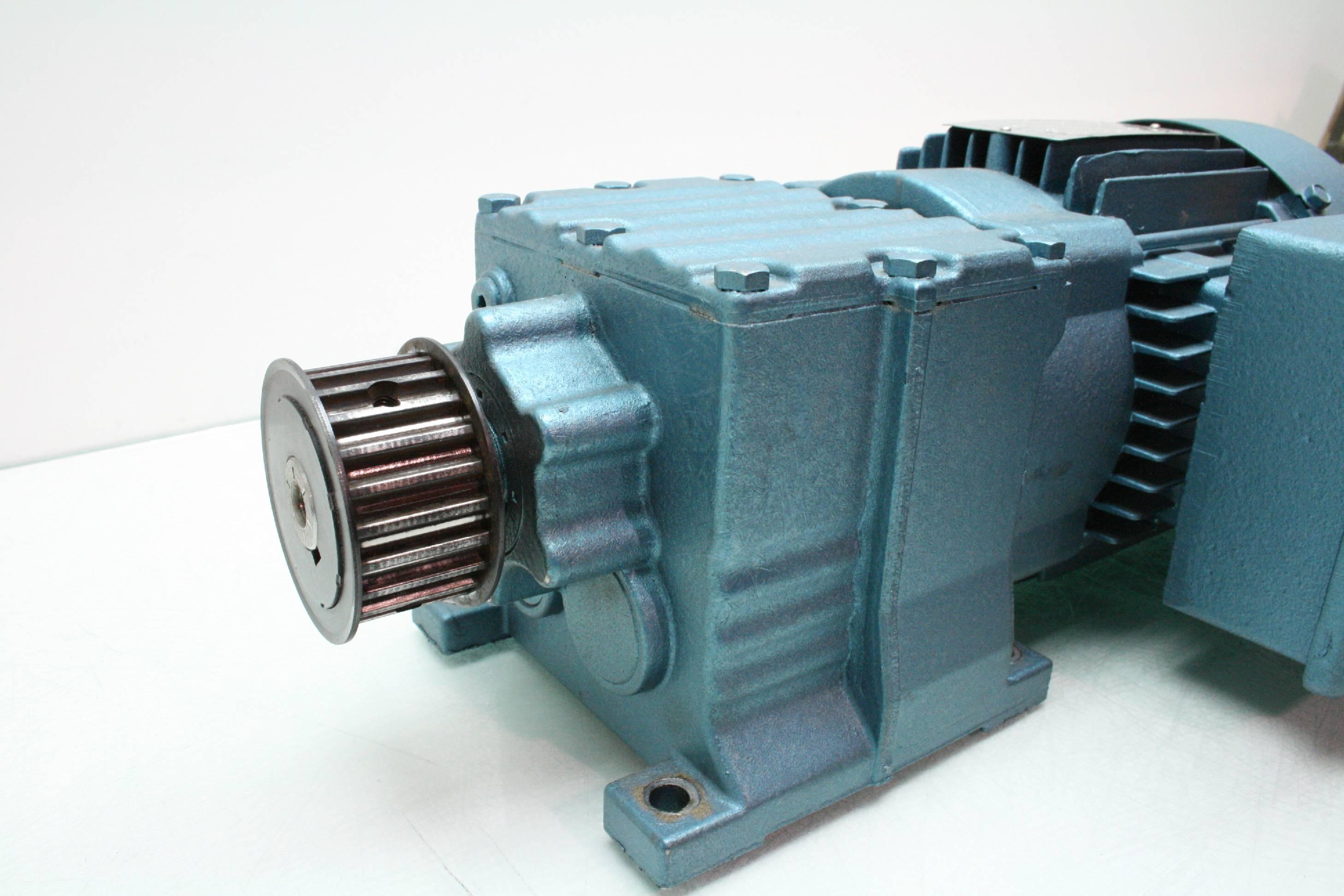 Sew Eurodrive Dft71c4 Gear Motor 1 3 Hp R17dt71c4 Gearbox