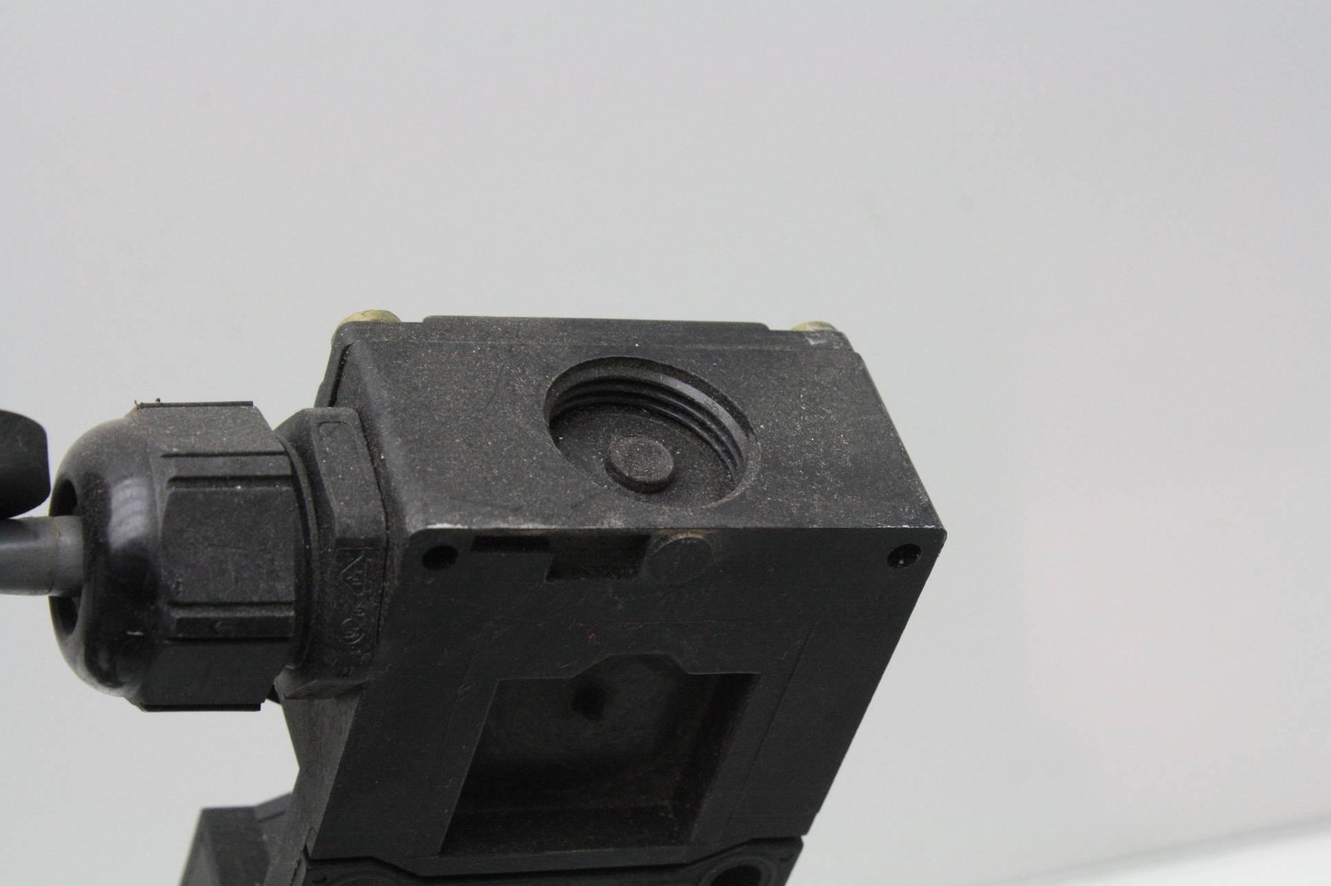 Door Switch Safety : Schmerzal az zvk m safety door interlock switch w